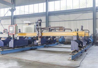 चीन जियाक्सिन 1300 * 2500mm धुलाई क्षेत्र प्लाज्मा काटने को मिसिन धातु कटर को लागि प्लाज्मा विशेष स्टेट एलसीडी पैनल नियंत्रण प्रणाली